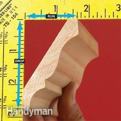 How to install crown moulding This three-piece crown molding technique simplifies installation and the results are spectacular. Cut Crown Molding, Base Moulding, Crown Molding Installation, Trim Carpentry, Carpentry Skills, Diy Crown, Easy Wood Projects, Trim Work, Moldings And Trim
