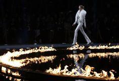 Fashion-Week Mailand: Roberto Cavalli mit feurigem Catwalk. Mehr zur Mailänder Modewoche: http://www.nachrichten.at/nachrichten/society/Generationswechsel-auf-Italienisch;art411,1314605 (Bild: Reuters)