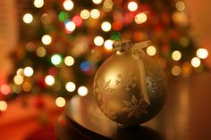 How to Photograph Christmas Lights: 9 Steps (with Pictures)