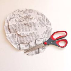 What can be made from newspapers: wall clock, picture, bracelet and other crafts — DIY is FUN