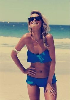 Visit us to watch Hot Sexy Girl with Perfect Body on the Bikini Carwash Suzuki video ! Bikini Modells, Blue Bikini, Frill Bikini, Sexy Bikini, One Piece Swimwear, One Piece Swimsuit, Mannequins En Bikini, Mode Du Bikini, High Cut Bikini