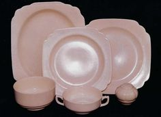 Century and Riviera by the Homer Laughlin China Company Homer Laughlin, Pyrex, Vintage Kitchen, Pretty In Pink, Dinnerware, Decorative Plates, Kitchens, Cottage, China