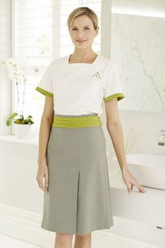 Looking for Spa Uniforms? Visit the Fashionizer Spa online Spa Uniforms shop to find stylish and comfortable uniforms to work in. Salon Uniform, Spa Uniform, Hotel Uniform, Uniform Ideas, Housekeeping Uniform, Beauty Uniforms, Beauty Clinic, Uniform Design, Jeans Style
