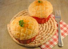 Kerstrecept: Zelfgemaakte kippenragout met een krokant dakje van bladerdeeg - Lekker en Simpel