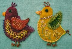 Wool Applique Chicks with Emerging Personalities - embroidery Robin Atkins using Sue Spargo techniques and designs Motifs Applique Laine, Wool Applique Quilts, Wool Applique Patterns, Wool Quilts, Felt Applique, Crewel Embroidery, Beaded Embroidery, Bird Crafts, Felt Crafts
