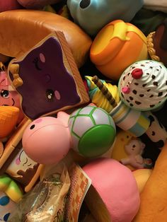 Polymer Project, Polymer Clay Projects, Silly Squishies, Slime And Squishy, Kawaii Plush, High School Art, Clay Ideas, Toys For Girls, Capri