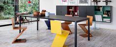 280 Zig Zag conçu par Gerrit Thomas Rietveld est un objet iconique du design. Découvrez les meubles et les caractéristiques des designers Cassina.