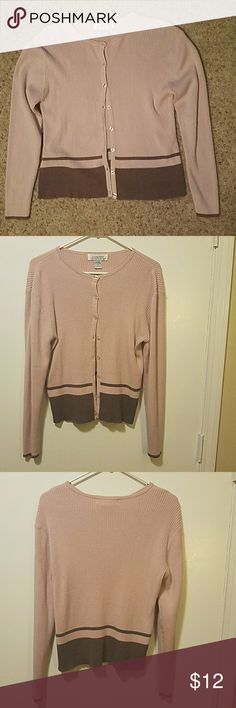 """Casual Corner Annex Cardigan Size medium Top to bottom 21"""" Good condition. Button up front.  Long sleeves. Casual Corner Annex  Sweaters Cardigans"""
