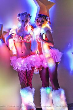 ♡ #gogodancers ♬ ▶ Edm outfit.  I love how many lights their rave outfits have.