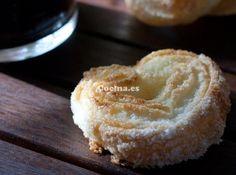Palmeritas de hojaldre: http://palmeritas-de-hojaldre.recetascomidas.com/