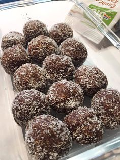 How To Make Chocolate Coconut Balls Recipe - Mints Recipes Coconut Balls, Coconut Milk, Mint Recipes, Chocolate Powder, Vanilla Essence, Balls Recipe, How To Make Chocolate, Vegetarian Chocolate, Melted Butter