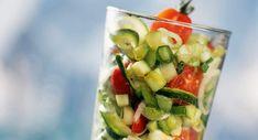 Verrine tomate mozzarella Vegetable Salad, Fruit Salad, Pasta Salad, Potato Salad, Good Food, Food And Drink, Diet, Vegetables, Ethnic Recipes
