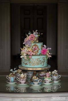 Cake by Lisa Roberts Cakes