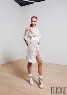 Basil Soda Primavera-Verano 2015 - Pret a porter - http://es.flip-zone.com/fashion/ready-to-wear/independant-designers/basil-soda-5149