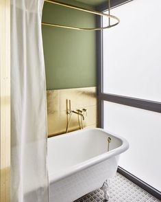 "Gefällt 1,679 Mal, 21 Kommentare - STILTJE Inspiration (@stiltje.se) auf Instagram: ""Bathroom inspiration from @archilovers in gold and green. We have gold tiles like this if you email…"""