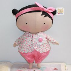 Casa Chervezhonka: Costura til Cutie: uma master class sobre o corpo. Doll Sewing Patterns, Sewing Dolls, Sewing Clothes, Master Class, Doll Toys, Baby Dolls, Sewing Crafts, Sewing Projects, Tilda Toy