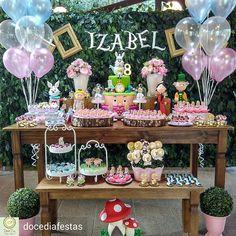 Paixão por Alice! @Regrann from @docediafestas -  Izabel no país das maravilhas! Tudo pronto para receber os amiguinhos para um dia de muita diversão!!! #festaalicenopaisdasmaravilhas #aliceinwonderlandparty #festainfantil #festa #decoraçãodefesta #inspiração #party #partydecor #cake #kidsparty #ideiasparafestas #birthday #firstyear #inspiration #partykids #partyideas #igdefesta #sweettable #carolfesteira