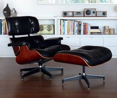 This quintessential American design was made for Herman Miller, by Charles & Ray Eames, Originally made with Brazilian Rosewood.