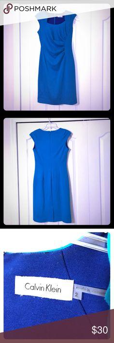 Calvin Klein dress (blue, size 2) EUC gorgeous sky blue Calvin Klein dress (size 2) ❤️...form fitting, very flattering hour-glass shaping dress 💋 Calvin Klein Dresses
