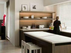 minimalista y paractico este mostrador-mesa en la cocina