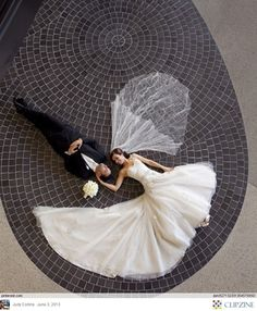 Black + White Weddings ..... A girl can dream!