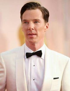 Benedict magnifico in White Dinner Jacket at the Oscars 22/2'15