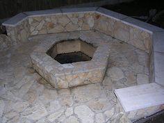 www.kerthazlakas.hu www.facebook.com/kordaiepito Outdoor Decor, Facebook, Home Decor, Interior Design, Home Interiors, Decoration Home, Interior Decorating, Home Improvement