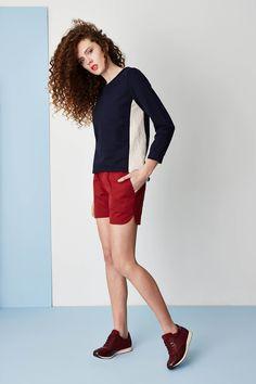 Kamila Gronner spring/summer 2015 collection. Dark blue & pale pink sweatshirt, marsala shorts. Marsala, Spring Summer 2015, Capri Pants, Hair Makeup, Shorts, Collection, Model, How To Make, Pink