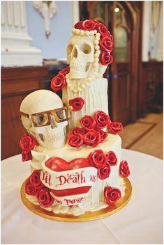 Skull wedding cake - My wedding ideas