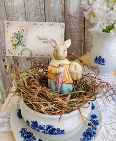 Shabby Chic Home Decor Shabby Chic Homes, Shabby Chic Decor, Rustic Decor, Easter Table Decorations, Easter Decor, Table Centerpieces, Cottage Chic, French Cottage, Spring Birds