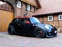1000 images about mini cooper jcw on pinterest mini coopers mini cooper s and john cooper works. Black Bedroom Furniture Sets. Home Design Ideas
