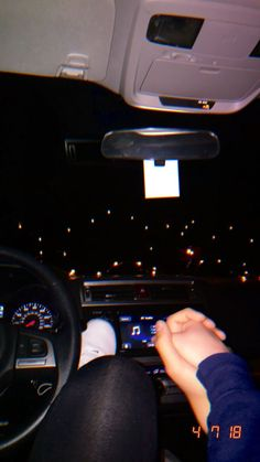Late night car talks 💕 wanting a boyfriend, boyfriend goals, future boyfriend, cute Couple In Car, Couple Holding Hands, Night Couple, Boyfriend Pictures, Boyfriend Goals, Future Boyfriend, Relationship Goals Pictures, Cute Relationships, Mains Couple