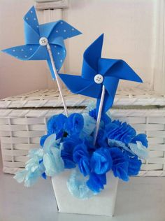 Catavento - Centro De Mesa Azul | Cantinho Materno | 271BBB - Elo7 Baby Party, Baby Shower Parties, Baby Shower Themes, Baby Boy Shower, Shower Ideas, Diy Spinning Wheel, Boy Birthday, Birthday Parties, Baby Shawer