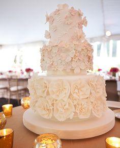 White Wedding Cake // Photos: Z Media // TheKnot.com