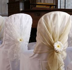 Are you looking for unique wedding decoration tips and ideas? These budget friendly wedding chair decorations can really add glamour to the whole wedding theme.