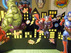 Center of Food Table Avenger Party, Avengers Birthday, Spiderman, Parties, Marvel, Halloween, Table, Ideas, Food