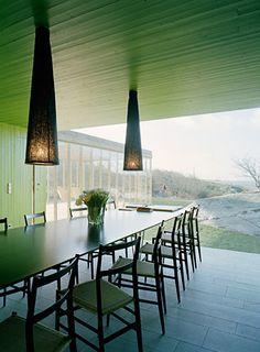 Ich versteh deren Website nicht - aber die haben ein paar interessante Projekte realisiert: Swedish architectural firm Wingårdhs