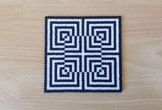 Discover recipes, home ideas, style inspiration and other ideas to try. Easy Perler Bead Patterns, Melty Bead Patterns, Perler Bead Templates, Diy Perler Beads, Perler Bead Art, Beading Patterns, Optical Illusion Quilts, Art Optical, Optical Illusions