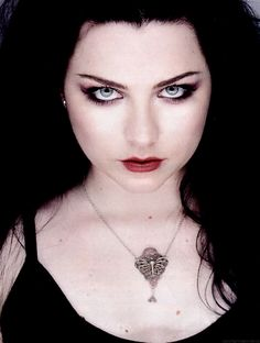 This time is sweeter than honey. Gorgeous Eyes, Simply Beautiful, Beautiful Women, Goth Beauty, Dark Beauty, Metallica, Amy Lee Evanescence, Women Of Rock, Divas