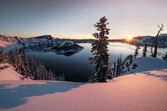 A pristine morning at Crater Lake [OC][1800x1200] : EarthPorn