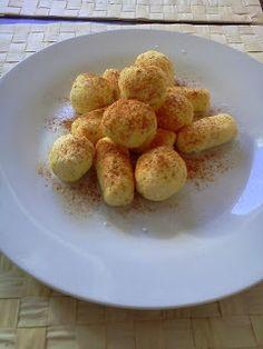 Dietetyczne kluski z serem (leniwe) - http://www.mytaste.pl/r/dietetyczne-kluski-z-serem-leniwe-3904981.html