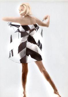 Marilyn Monroe - Bert Stern, Striped Scarf, 1962