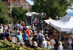 Pomimo Andrangs panowały na rynku ceramiki przy nadmorskiej promenadzie w Badgarten przytulne swobodnej atmosferze.
