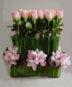 Send the Sweet Touch bouquet of flowers from LA Premier in Los Angeles, CA. Local fresh flower delivery directly from the florist and never in a box! Amazing Flowers, Colorful Flowers, Pretty In Pink, Beautiful Flowers, Big Flowers, Purple Flowers, White Flower Arrangements, Floral Centerpieces, Wedding Centerpieces