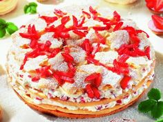 Flocken-Sahne-Torte: Eine Brandteig-Torte mit Erdbeeren und Sahne für den Sommer - http://www.oetker.de/rezepte/r/erdbeer-flocken-torte.html?tx_oetkerrecipes_pi1[search_offset]=29?tx_oetkerrecipes_pi1[search_offset]=29