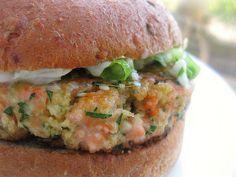 salmon burgers with dill yogurt sauce