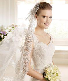 MECA » Wedding Dresses » 2013 Costura Collection » La Sposa (close up)