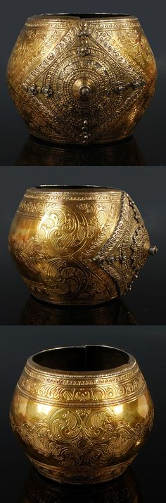 An ancient Maranao bracelet from the early Filipino people in Mindanao. Archaeologist claims that these relic is dated for about century. Ethnic Jewelry, Antique Jewelry, Jewellery, Mindanao, Filipino Fashion, Philippines Culture, Culture Clothing, Filipiniana, Asian History
