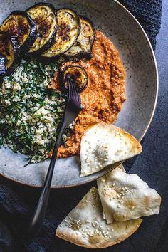 Quinoa, kale and eggplant bowl with muhammara (vegan and gluten free). Quinoa, kale and eggplant bowl with muhammara (vegan and gluten free). Whole Food Recipes, Cooking Recipes, Dinner Recipes, Ham Recipes, Crockpot Recipes, Dinner Ideas, Chicken Recipes, Roast Recipes, Salad Recipes