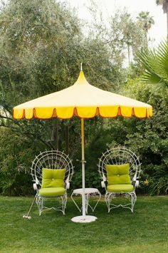 When your outdoor space lacks trees and shade, the simplest solution is buying patio umbrellas. These patio umbrellas can give outdoor spaces a dressier look.
